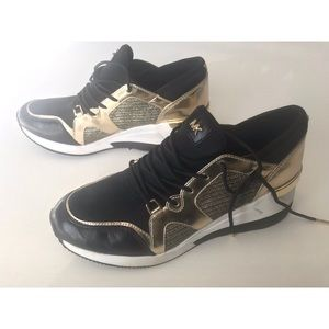 Micheal Kors Wedge sneaker